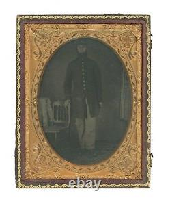 1/4 Plate Civil War Ambrotype of Union Soldier in Frock Coat Missing Fingers
