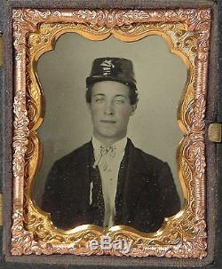 1860's CIVIL WAR AMBROTYPE PHOTOGRAPH OF UNION SOLDIER IN GUTTA PERCHA CASE