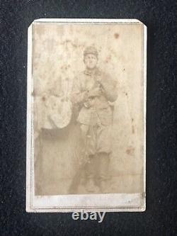 Antique Fairfax Station Virginia Civil War Soldier With Gun And Kepi Cdv Photo