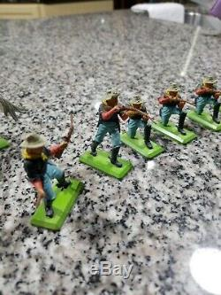 BRITAINS LTD DEETAIL Vintage 1971 plastic civil war soldiers with metal bases