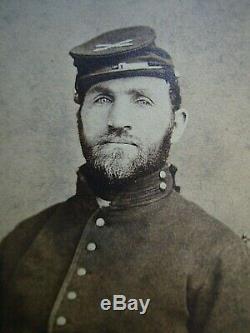 Bold Very Clear Original Civil War New York Artillery Soldier CDV