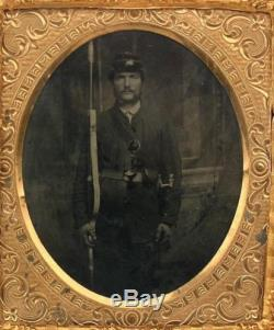 CIRCA 1860's CIVIL WAR 6th PLATE TINTYPE ARMED UNION SOLDIER