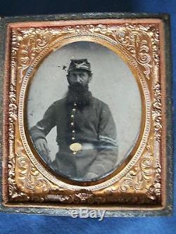 CIVIL WAR ERA TINTYPE DAGUERREOTYPE BEARDED MILITARY SOLDIER PHOTO