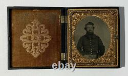 CIVIL WAR SOLDIER 1/6 Plate TINTYPE PHOTOGRAPH in UNION CASE