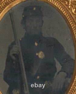 CIVIL War Soldier In Uniform With Rifle. Gilded, 9th Plate Tintype. Union Case