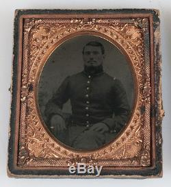 CIVIL War Soldier Tintype. Gilded Ring, Buttons And Shoulder Bars. Full Case