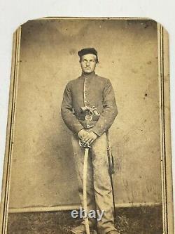 Civil War CDV Photo Union Soldier With Sword & Pistol Alexandria Virginia