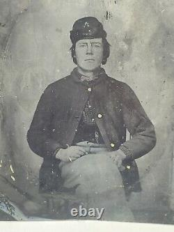 Civil War Soldier 77th PA Volunteer Infantry Tintype Photograph Insignia On Hat