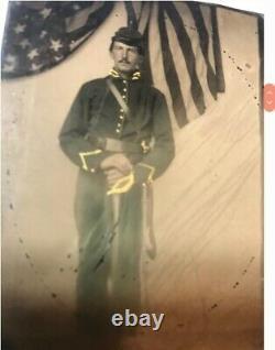 Civil war Union Cavalry soldiers 1/6 Tintypes & double Gutta Percha case