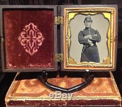 Mint Armed Civil War soldier tintype in thermoplastic case