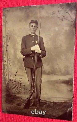 Rare Antique Full Plate Civil War Photo Tintype Of Soldier With Gun