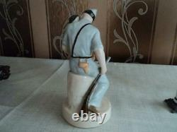 Spanish soldier in the Civil war 1930s USSR Russian porcelain figurine 4343u