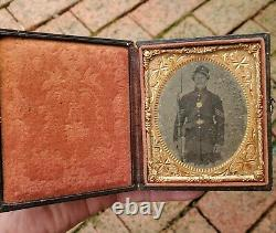Super Civil War 1/6 Plate Tintype Photo Union Soldier Frock Musket Full case