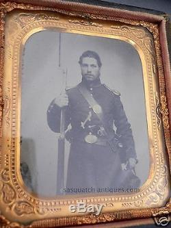 TRIPLE ARMED PISTOL BOWIE RIFLE CIVIL WAR SOLDIER & SWEETHEART TINTED AMBROTYPE