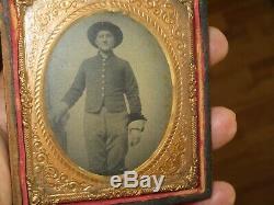 Tintype Civil War soldier cavalry man (rifer. T14)