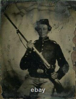 Tintype of CIVIL WAR Soldier with a GUN