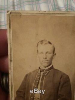 Vintage Civil War Soldier Photograph Photo CDV Louisville, KY Godshaw & Flexner